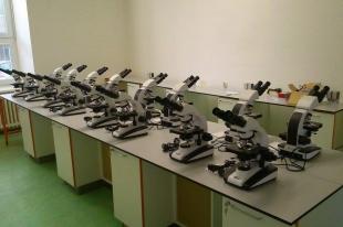 INTRACO MICRO spol s.r.o. – vybavení učeben mikroskopy
